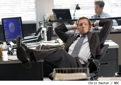 image of charlie crews played by damian lewis on the NBC show Life